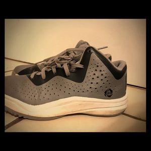 Derek rose basketball sneakers